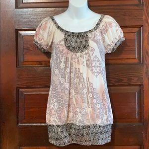 FANG Short Sleeve Sheer to Semi Sheer Tunic Shirt